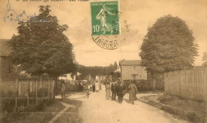 rue voltaire vers 1920