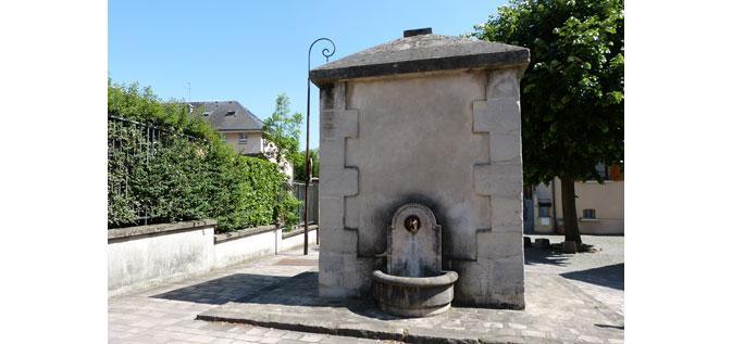 La fontaine de la Ruelle à Riou