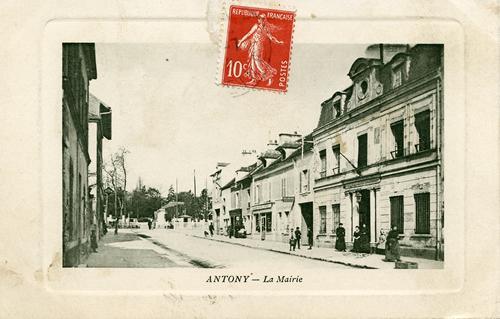 Rue de la Mairie vue côté passage à niveau
